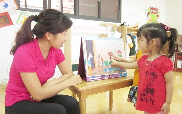 Trẻ có thể sáng tác ra một câu chuyện dựa vào bức tranh mà trẻ thấy