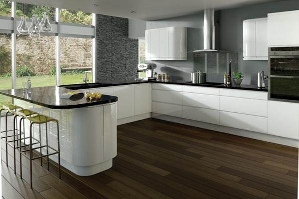 Sơn lại tường nhà bếp là một ý tưởng giúp cải tạo căn bếp nhà bạn