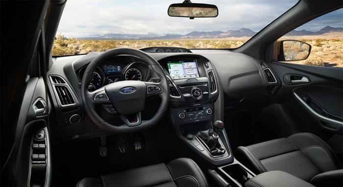 Nội thất của dòng xe Ford Focus Titanium 2018