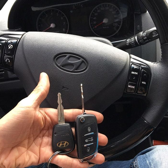 Giá thành thường phụ thuộc vào thương hiệu xe, tình trạng hư khóa