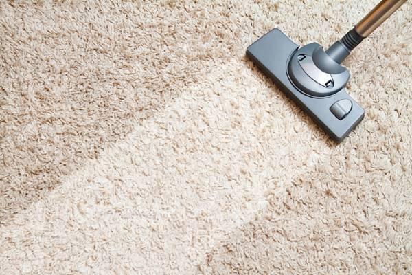Thảm có thể chứa đến cả tấn bụi nếu như bạn không vệ sinh thường xuyên